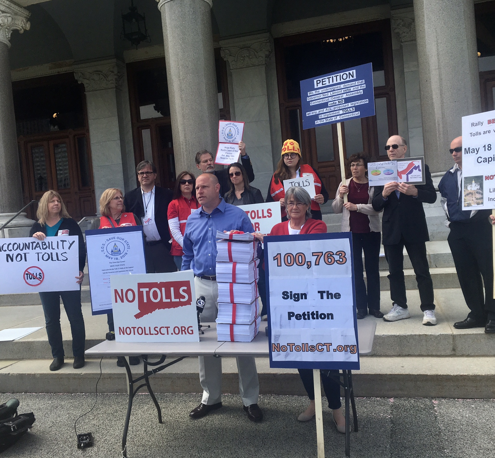 Anti-Toll Group Delivers 100,000 Petition Signatures to Gov. Ned Lamont