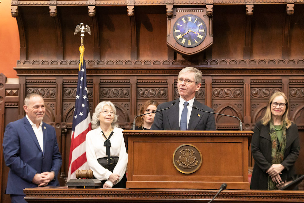 Newly-elected Rep. Brian Smith thanks labor unions at swearing in ceremony